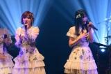 STU48コンビで「暗闇」をデュエット(左から)岡田奈々、矢野帆夏=『AKB48グループ歌唱力No.1決定戦 ファイナリストLIVE』より(C)TBS
