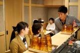 4月5日放送『ラーメン大好き小泉さん2019春SP』に出演する早見あかり、美山加恋、長嶋一茂 (C)カンテレ