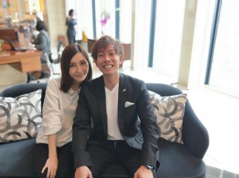 サムネイル 第1子妊娠を発表したはあちゅう氏(左)と夫のしみけん