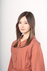 4月20日スタートの新土曜ドラマ『俺のスカート、どこ行った?』に出演する白石麻衣(C)日本テレビ