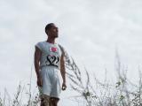 マラソンコースを走った四三(中村勘九郎)は、ある光景を目にする=大河ドラマ『いだてん〜東京オリムピック噺(ばなし)〜』第13回より (C)NHK