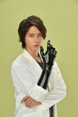 4月期金曜ドラマ『インハンド』に主演する山下智久 (C)TBS