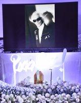 動く遺影(LEDモニター)が設置された内田裕也さんのRock'nRoll葬 (C)ORICON NewS inc.