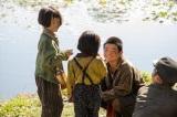 戦争で家族を失い、子どもたちだけで生きていたころ=連続テレビ小説『なつぞら』第2週「なつよ、夢の扉を開け」より(C)NHK