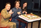 TBS金曜ドラマ『インハンド』キャスト舞台挨拶に出席した(左から)濱田岳、山下智久、菜々緒 (C)ORICON NewS inc.