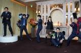 『ぐるぐるナインティナイン』メンバーでポーズを決める(左から)貴乃花光司、中島健人、田中圭、土屋太鳳、ノブ、岡村隆史(C)日テレ