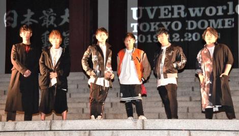 東京ドームで男性限定ライブ『男祭り』を開催することを発表したUVERworld(左から)真太郎(Dr)、彰(G)、TAKUYA∞(Vo)、克哉(G)、信人(B)、誠果(Sax) (C)ORICON NewS inc.