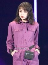 TGC「1st FASHION SHOW STAGE」に登場した欅坂46・小林由依 (C)ORICON NewS inc.