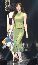 TGC「1st FASHION SHOW STAGE」に登場した乃木坂46・梅澤美波 (C)ORICON NewS inc.