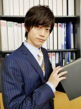 YouTube『小山内三兄弟チャンネル』で配信される『働かないの?唯一兄ちゃん』に出演する高橋健介(C)日本テレビ