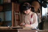 明美(平尾菜々花)は、柴田家の家事を手伝うしっかり者に成長 =連続テレビ小説『なつぞら』第3週「なつよ、これが青春だ」より(C)NHK