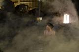 「サービス回です」高橋一生の入浴シーン(C)テレビ朝日