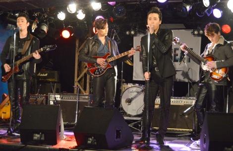 バンド生演奏を披露した(左から)辰巳雄大、加藤和樹、戸塚祥太、JUON=舞台『BACKBEAT』製作発表 (C)ORICON NewS inc.