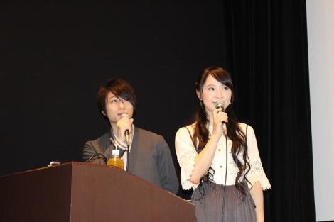 『カードファイト!! ヴァンガード2019』アニメ新シリーズ制作発表会でMCを務めた(左から)森嶋秀太、橘田いずみ