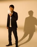 6月1日スタートのオトナの土ドラ『仮面同窓会』に出演する溝端淳平 (C)東海テレビ