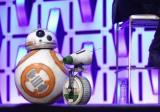 『スター・ウォーズ/ザ・ライズ・オブ・スカイウォーカー(原題)』(12月20日、日米同時公開)BB-8(左)のお友達、D-O(右) (C)2019 ILM and Lucasfilm Ltd. All Rights Reserved.