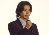 大粒の涙を流した山崎賢人 (C)ORICON NewS inc.