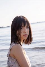 写真集『月刊川島海荷・元』より