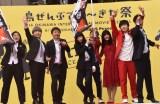 第11回沖縄国際映画祭のレッドカーペットで笑顔を見せる吉本坂46 (C)ORICON NewS inc.