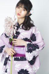 乃木坂46カラーの紫をベースにした浴衣を着用した齋藤飛鳥