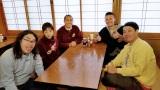 4月22日放送、『帰れマンデー見っけ隊!! 』タカアンドトシの「奥秩父の秘湯を目指す乗り継ぎ旅!」に初参戦した松岡昌宏(C)テレビ朝日
