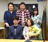 文化放送『岩本勉のまいどスポーツ』に出演した(前列左から)柏原竜二、八木菜緒、(後列左から)松島茂、岩本勉、長麻未 (C)ORICON NewS inc.