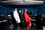俳優3人組バンド「THE XXXXXX」(左から)内田朝陽(Syn)、山田孝之(Vo)、綾野剛(G)