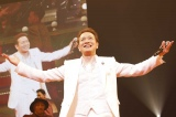 『TOSHIHIKO TAHARA 40TH ANNIVERSARY EVE  平成 LAST LIVE!』を開催した田原俊彦