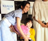 WOWOW『連続ドラマW 坂の途中の家』の完成披露試写会に出席した(左から)柴咲コウ、松本笑花 (C)ORICON NewS inc.