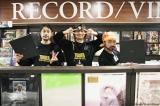 山田孝之×綾野剛×内田朝陽のバンドTHE XXXXXXの展示会をタワーレコード渋谷で開催