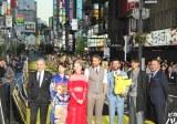 歌舞伎町がピカチュウ色に染まる