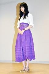 MVではグループカラー紫のロングスカートをひるがえしながら踊る (C)ORICON NewS inc.