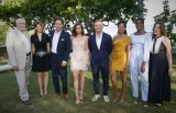 「007」シリーズ最新作、始動! ジェームズ・ボンド役で主演するダニエル・クレイグらキャスト陣、キャリー・フクナガ監督らがジャマイカに集結