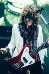 全国ツアー『THE YELLOW MONKEY SUPER JAPAN TOUR 2019 -GRATEFUL SPOONFUL』が開幕【4月28日】ベース:廣瀬洋一(撮影:横山マサト)