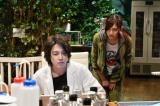 『インハンド』第4話に出演する山下智久と吉川愛 (C)TBS