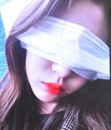 マスクをアイマスクにして寝るミンジュ(撮影:ウンビ) (C)ORICON NewS inc.