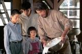 連続テレビ小説『なつぞら』第10回(4月11日放送)より。泰樹(草刈正雄)はバターを作ってみせる(C)NHK