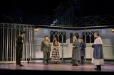東京・Bunkamuraシアターコクーンで上演中の『ハムレット』舞台写真(撮影:細野晋司)