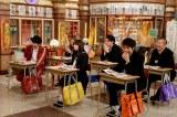 """『egg』出身のギャルモデル・ゆきぽよが""""生徒""""として、先輩・今井華""""先生""""の授業を受ける(C)テレビ朝日"""