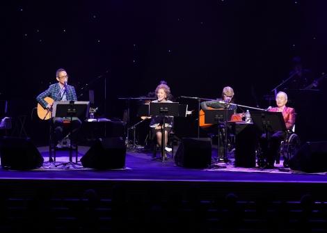 デビュー50周年記念コンサートを開催したビリー・バンバン