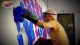 5月15日放送、『クレイジージャーニー』に登場する87歳の前衛美術家・篠原有司男さん(C)TBS