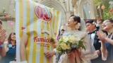 ファミリーマートの新TVCM「ポケチキ 新しいファミリー 篇」より。木村多江とファミチキ先輩が結婚