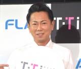 東幹久、49歳で白い歯キープ