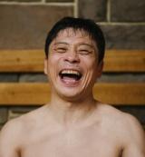 テレビ東京、7月期のドラマ25『サ道』偶然さん役の三宅弘城(C)『サ道』製作委員会