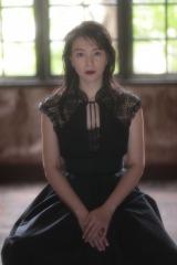 処女歌集『はじまりは、恋』を発売する知花くらら 撮影:篠山紀信