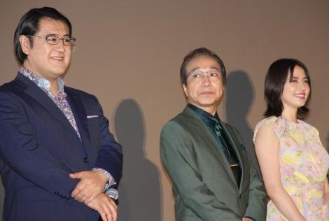 (左から)小手伸也、小日向文世、長澤まさみ=映画『コンフィデンスマンJP』初日舞台あいさつ (C)ORICON NewS inc.