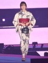 『Rakuten GirlsAward 2019 SPRING/SUMMER』に浴衣姿で登場した乃木坂46・梅澤美波 (C)ORICON NewS inc.