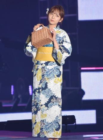 『Rakuten GirlsAward 2019 SPRING/SUMMER』に浴衣姿で登場した乃木坂46・新内眞衣 (C)ORICON NewS inc.