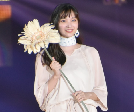 『Rakuten GirlsAward 2019 SPRING/SUMMER』に登場した新川優愛 (C)ORICON NewS inc.