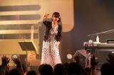 MCではファンの声も拾いながら楽しいトーク(5月19日、東京・渋谷duo MUSIC EXCHANGE)